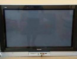43 in LCD Panasonic TV for sale